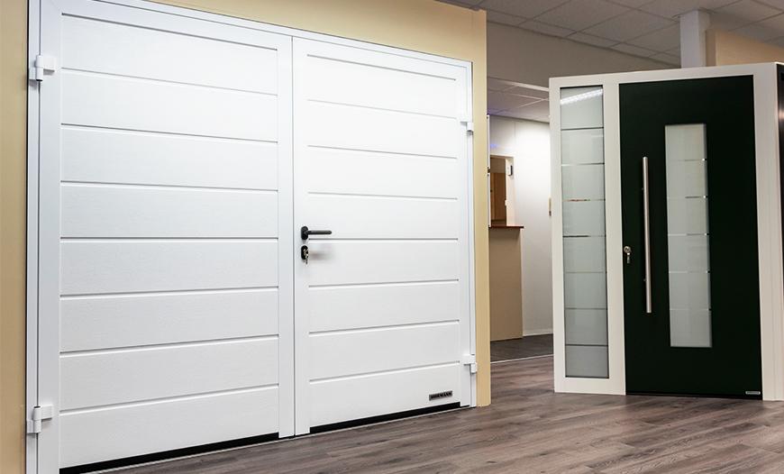 Openslaande Deuren Kosten : Garagedeur actie openslaande deuren voordelig geprijsd deugro